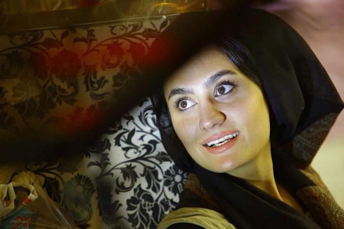 زهره رمضانی در فیلم قرمز